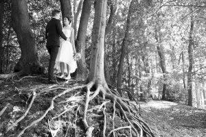 Bruiloft fotografie Limburg Huwelijks fotografie zwartwit